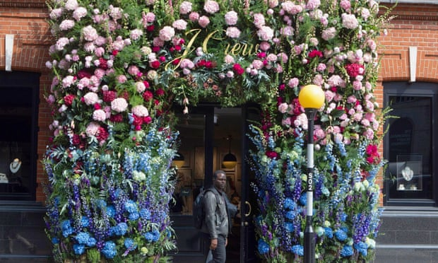 J Crew to close all six of its UK stores
