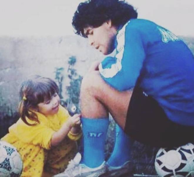 The emotional farewell of Dalma Maradona and Diego junior to their father