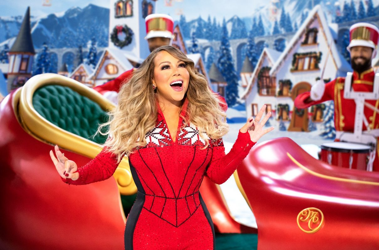 """Mariah Carey Returns To No 1 On The Hot 100 With """"All I Want For Christmas Is You"""""""